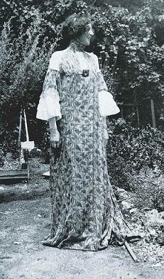 foto di emilie in abito lungo