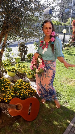 foto adriana vestita da polinesiana 2
